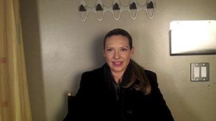 Anna Torv Jokes About Olivia 'Saving the World'.mp4-00002