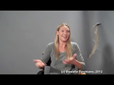 Anna Torv talks 'Fringe' motherhood.mp4-00003