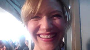 FRINGE- Should Peter Pick Olivia or Fauxlivia- Anna Torv Weighs In