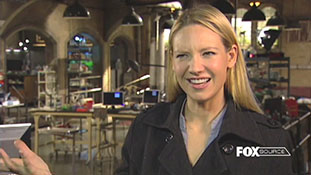 Fringe - Anna Torv - Olivia's Lonely Path.mp4-00002