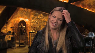 Fringe - Interview with Anna Torv - Bolivia.mp4-00010