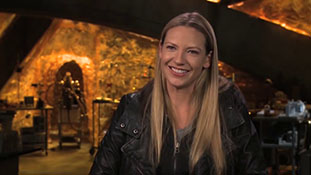 Fringe - Interview with Anna Torv - Lincoln and Bolivia.mp4-00011