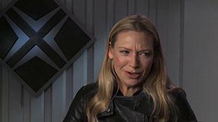 Fringe - Interview with Anna Torv - Observer Eyes.mp4-00012
