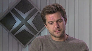 Fringe - Interview with Joshua Jackson - Over There.mp4-00005