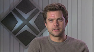 Fringe - Interview with Joshua Jackson - Peter's Journey.mp4-00007