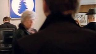 Fringe - Season 2 - The Observer #12.mp4-00013