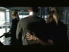 Fringe - Season 2 - The Observer #3.mp4-00004