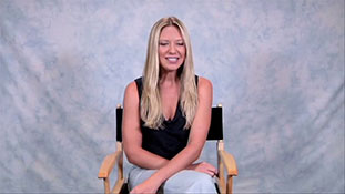 Fringe's Anna Torv Meets Her Most Devoted Fan.mp4-00001