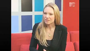 MTV interview with Anna Torv Part 2.mp4-00003