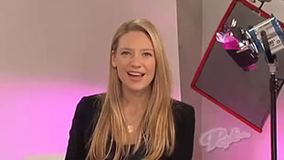 PopEater Interviews Anna Torv of Fringe Part 3 of 3.mp4-00001