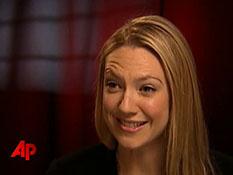 Anna Torv Observes New 'Fringe' Clues on MSN Video.mp4-00002