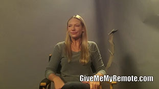 Anna Torv Talks About Olivia's Relationships With Peter and Etta.mp4-00004