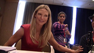 Anna Torv of 'Fringe' at Comic-Con