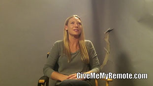 Anna Torv on the 'Huge Reboot,' the Potential for Olivia to Die, and Fauxlivia.mp4-00003