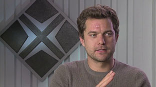 Fringe - Interview with Joshua Jackson - Dangerous Game.mp4-00003