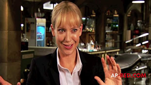 -Fringe- Season 3 , Interviews & Featurette- Anna Torv, Joshua Jackson, John Noble.mp4-00001
