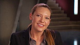 Fringe Season 4 Fans Ask- Like Olivia.mp4-00021