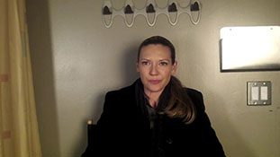 Is Olivia Destined to Die- Anna Torv Weighs In.mp4-00007